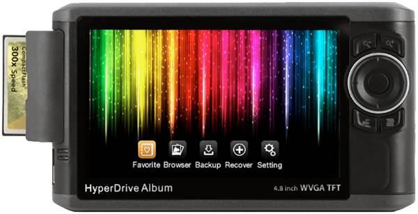 videur de carte sd HyperDrive Album : un videur de cartes mémoire avec grand écran