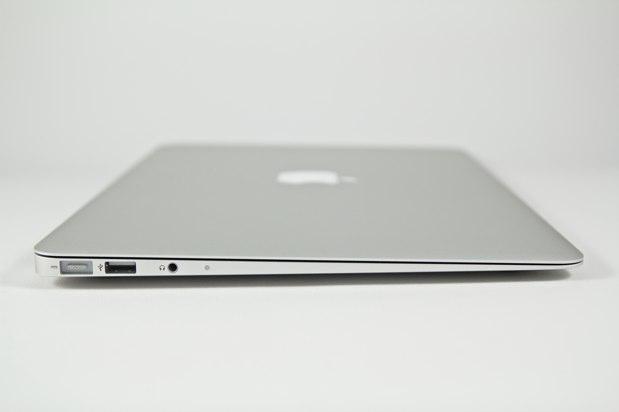20101104_MacBook-Air-%20032