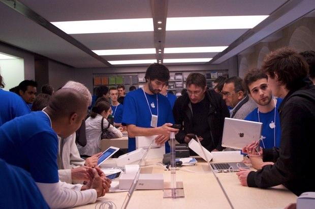 http://static.macg.co/img/2011/4/AppleStoreBordeaux221-20110514-210747.jpg