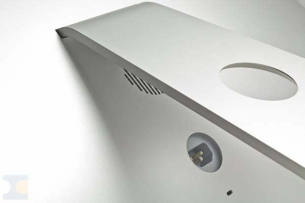 20062011_iMac-27-Thunderbolt-2011_IMG_4086