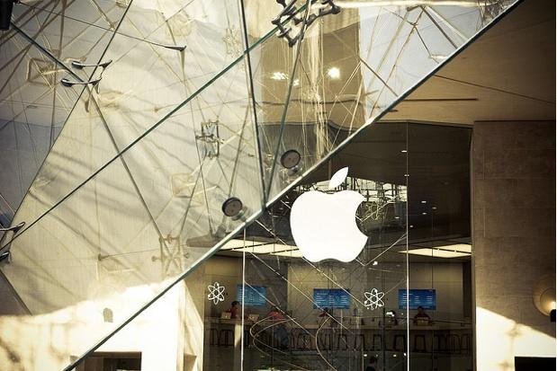 Apple%20Store%20Paris%20Carrousel%20du%20Louvre%20%7C%20Flickr%20-%20Photo%20Sharing%21
